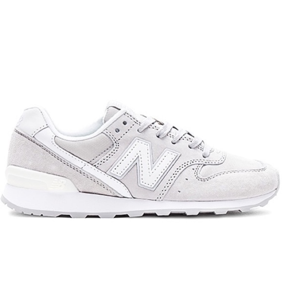 sports shoes 5f02b fe969 NWT New Balance 696 Gray Sneakers NWT
